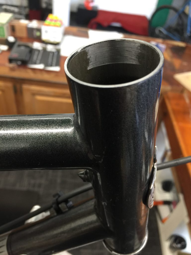 Ovalized head tube